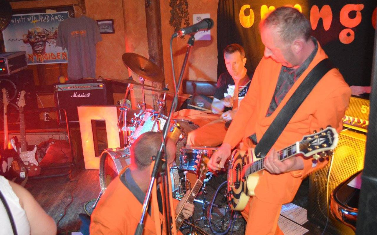 Orange_Livekonzert_Schwarzbrenner_Herrlingen
